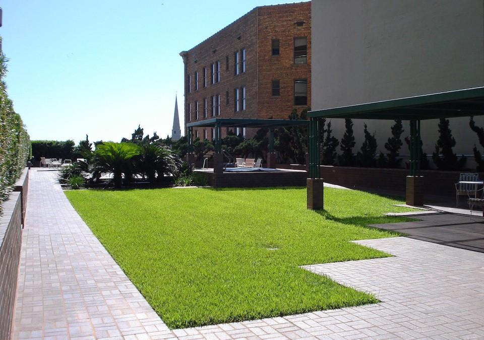 5000 Montrose Rooftop Garden